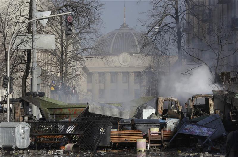 2014-02-18T160752Z_1_APAEA1H18T800_RTROPTP_3_OFRWR-UKRAINE-UNION-20140218