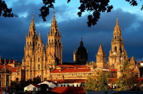ciudad-patrimonio-santiago_de_compostela