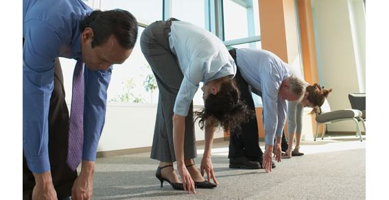 stretching-in-office-16052011
